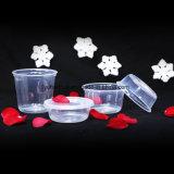 Togliere il contenitore della ghiottoneria di Microwaveable pp del pacchetto dell'alimento con i coperchi