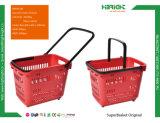 Pratique de stocker des paniers à provision avec roues à rouleaux