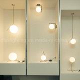 L'illuminazione d'attaccatura di stile europeo creativo decora l'illuminazione di vetro di Haning della sfera della villa