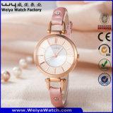 Montre-bracelet de dames de quartz de courroie en cuir de l'usine OEM/ODM (Wy-063C)