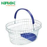 鋼線の網のプラスチック皿が付いている円形の買物かご
