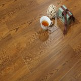 Lamellenförmig angeordneter Fußboden Oka HDF AC4