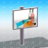 Iluminación solar de Hording que hace publicidad de la fabricación de la cartelera