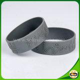 Kundenspezifischer Firmenzeichen-SilikonWristband mit geprägter Technik