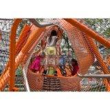 屋外の冒険公園装置