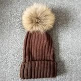 大人のための13c毛皮POMの帽子の冬によって編まれる帽子