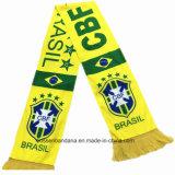 OEMはポリエステルサテンのサッカーのフットボール・チームの印刷されたスカーフの製造者をカスタマイズした
