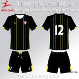 Uniforme barato del fútbol de la nueva sublimación de encargo del diseño de los hombres de las personas de Healong