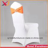 レストランのための美しい結婚式の宴会の椅子カバーか夕食またはホテル