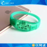 2017 chaud pour le bracelet contrôlé de la Chine DEL de vente en gros de concert