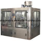 una variedad de máquinas de rellenar de la bebida de la botella