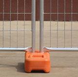 Используемая загородка случая Австралии временно с пластичными ногами