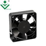 Plastikventilatormotor Xinyujie bester verkaufender hoher Querströmungsgeschwindigkeit Gleichstrom-24V 5015