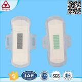 La garniture sanitaire de serviette hygiénique d'anion pour des femmes emploient jour et nuit
