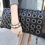 새로운 형식 한국 금속 원형 지갑은 열등한 바람 어깨 대각선 포장 어깨에 매는 가방을 리벳을 박는다