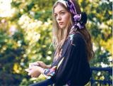 Лучшие продажи лучшая цена красивых Custom цифровой печати 100% характера шелковые шарфы (HJ1707-026)