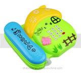 Instrução dos miúdos que aprende o brinquedo do telefone da música para a casa do jogo