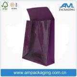 L'emballage papier fait main un sac de shopping avec poignées