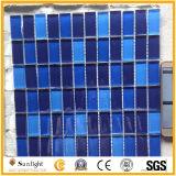 Mattonelle blu/bianche della piscina di mosaico di vetro del mosaico della parete