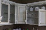 Alto legno solido lucido moderno dell'armadio da cucina