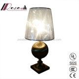 Lámpara de cobre antigua de la mesa redonda del hierro E27 para la hospitalidad
