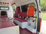 日産Urvan 350の高い屋根ディーゼルLHDの救急車