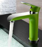 Modèle de Morden blanc/vert/robinet bassin de chrome