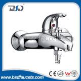 Miscelatore d'ottone del bacino della leva di acqua fredda del bicromato di potassio caldo del colpetto singolo