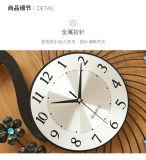 孔雀の柱時計のホーム装飾のためのダイヤモンドが付いている大きいサイズの金属の柱時計
