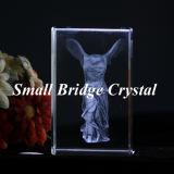 Victoria coa alas Eathed cristalina del laser del cubo 3D
