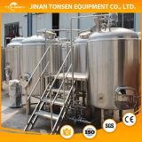 Un serbatoio da 100 galloni per la preparazione della birra