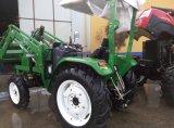 Трактор с передним погрузчиком для погрузки грузов