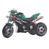 Kühles elektrisches Motorrad für Jungen-im Freienaktivität