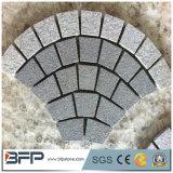 Il granito naturale ha fiammeggiato la pietra del ciottolo per pavimentazione esterna