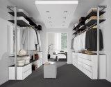 Wardrobe de madeira da laca do armário do quarto do estilo moderno