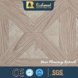 Ménage de chêne gaufré 8.3mm V-Laminbate Insonorisant de plancher rainuré