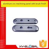 El panel que trabaja a máquina del CNC del aluminio con final de cepillo