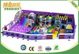 Оборудование спортивной площадки нового парка атракционов конструкции напольное для игры малыша