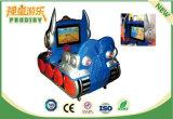 Машина видеоигры участвуя в гонке автомобиля малышей видео- для сбывания