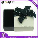 リボンのBowknotの服装のボール紙のギフトの包装ボックス