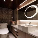 ライトが付いている壁に取り付けられたホテルの浴室のFramelessの大きいミラー