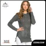 Cavalier de tricots de câble de femmes avec la tirette latérale