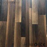 Precio de fábrica en el interior de madera el uso de azulejos pavimentos de PVC adhesivo Slef