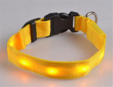 Vente en gros Flash Collier réglable pour animaux de chien Collier en nylon Nylon LED Cat