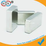 Vierecks-Magnet mit unterschiedlicher Stärke