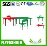 Mesa e cadeira padrão do estudante da mobília da sala de aula