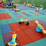 Aufbereitete sicherer im Freienspielplatz-Gummimatten-Bodenbelag-Fliese