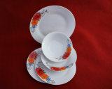 Colore bianco con l'insieme di ceramica degli articoli per la tavola del fiore rosso