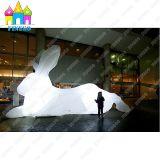 Gigante gonfiabile del LED che fa pubblicità alle lepri variopinte del coniglio che illuminano coniglio bianco