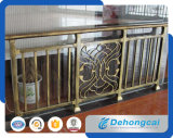 Reti fisse classiche del ferro del balcone di uso della costruzione